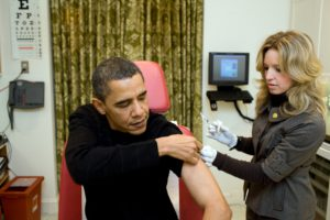 A White House nurse administers the H1N1 vaccine to President Barack Obama at the White House on Dec. 20, 2008. (Official White House photo by Pete Souza)